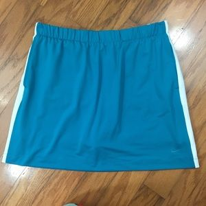 Nike Golf Skirt Skort Size Medium (8-10)